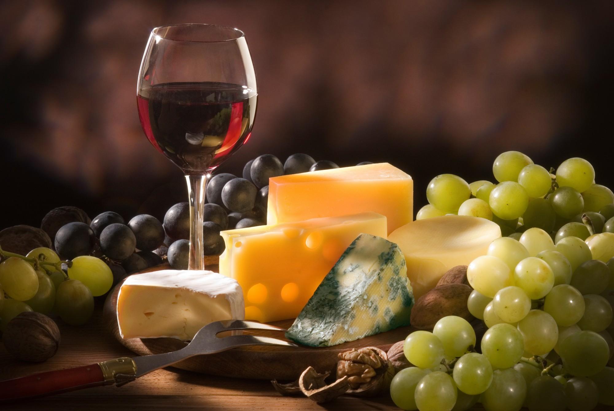Les accords mets vins : lunes de miel aromatiques
