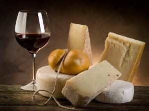 Fromage et vin rouge : une association malheureuse