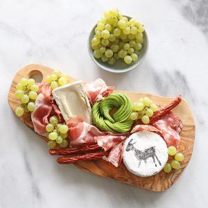 planche apéro fromage charcuterie raisin