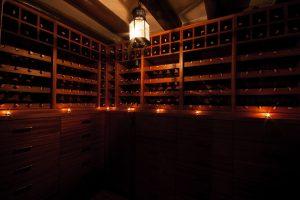 Cave à vin bois sombre